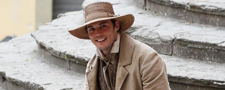 "Sam Claflin On Set of ""My Cousin Rachel"" in Arezzo (June 6, 2016)"